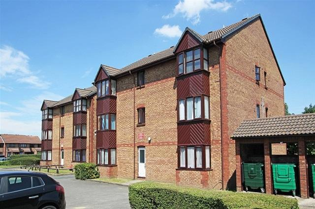 Studio Flat for sale in GILPIN CLOSE, MITCHAM