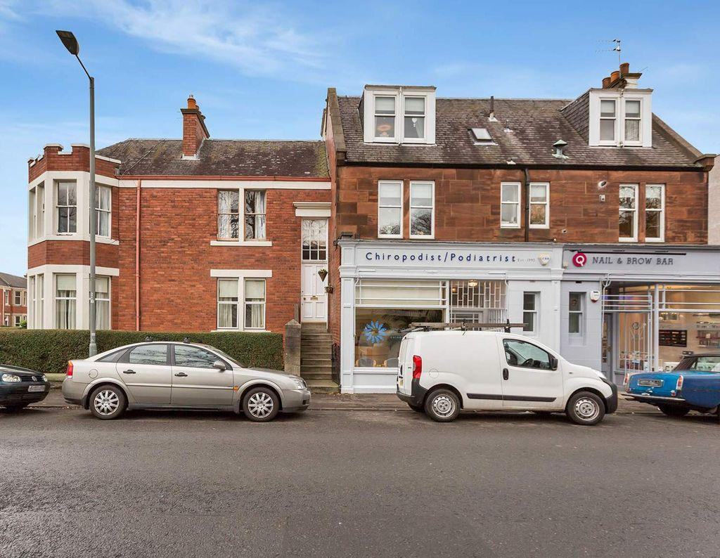 2 Bedrooms Flat for sale in 20 South Trinity Road, Trinity, EH5 3NR