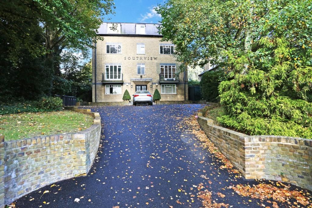 2 Bedrooms Flat for sale in South View, Hornsey Lane, Highgate, N6