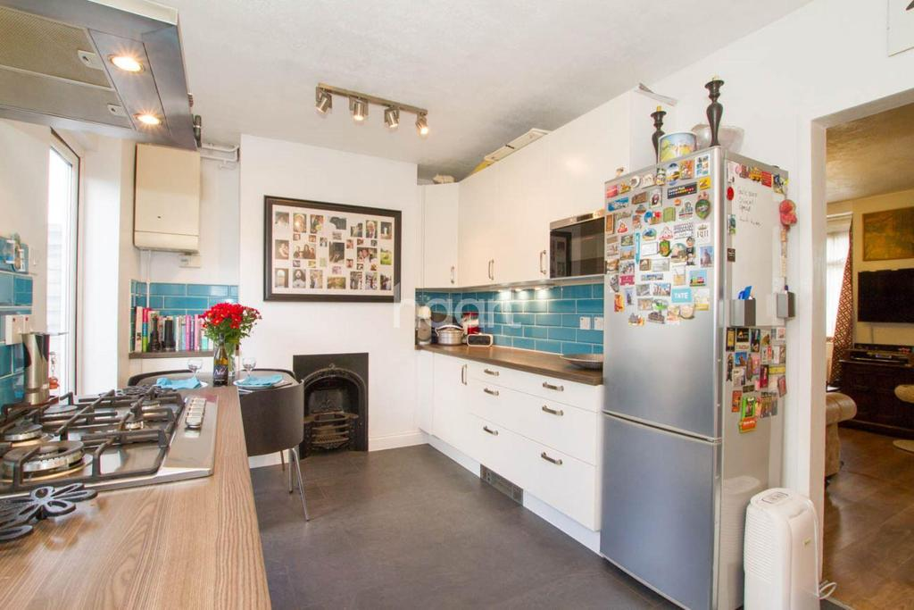 3 Bedrooms Semi Detached House for sale in Hatfield