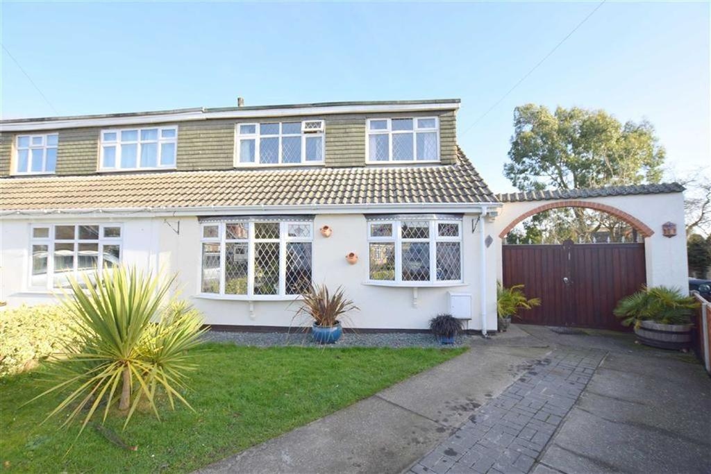 3 Bedrooms Semi Detached House for sale in Whisby Court, Holton Le Clay, Lincolnshire