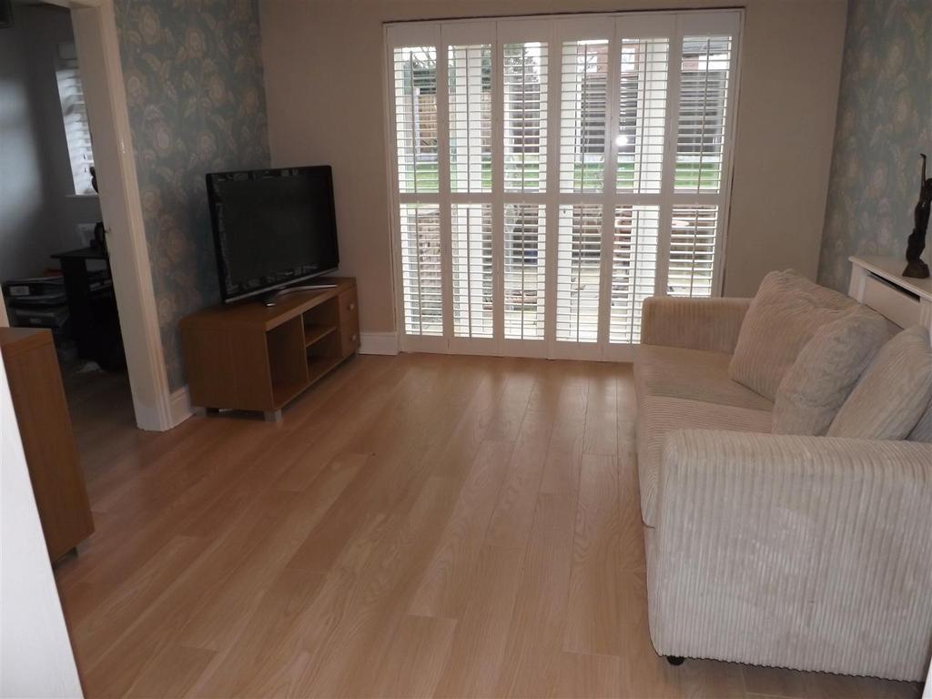 5 Bedrooms Terraced House for sale in Second Avenue Rainhill, Prescot