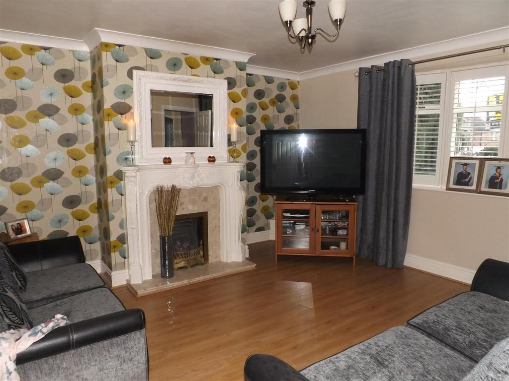 5 Bedrooms End Of Terrace House for sale in Second Avenue Rainhill, Prescot