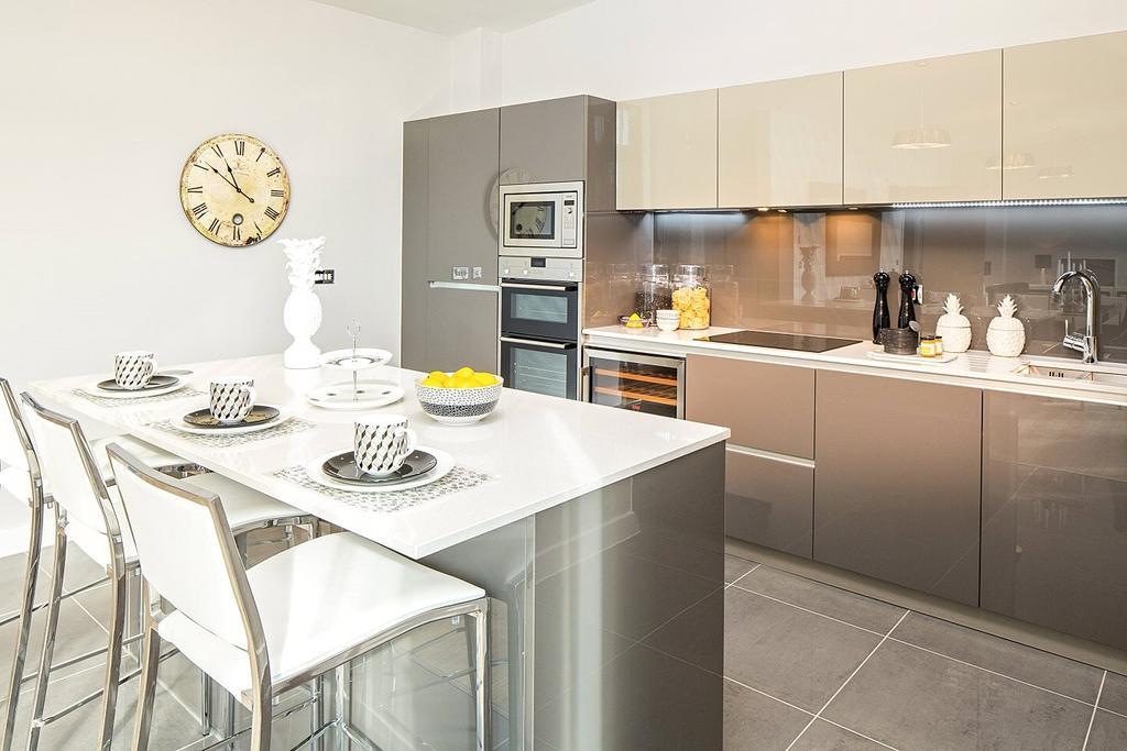2 Bedrooms Penthouse Flat for sale in Alexandra House, Bath Riverside, Bath, BA2