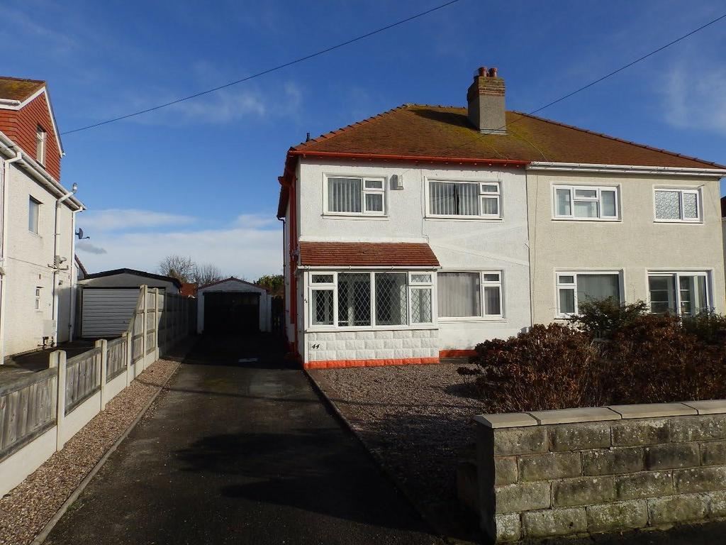 3 Bedrooms Cottage House for sale in North Drive, Rhyl