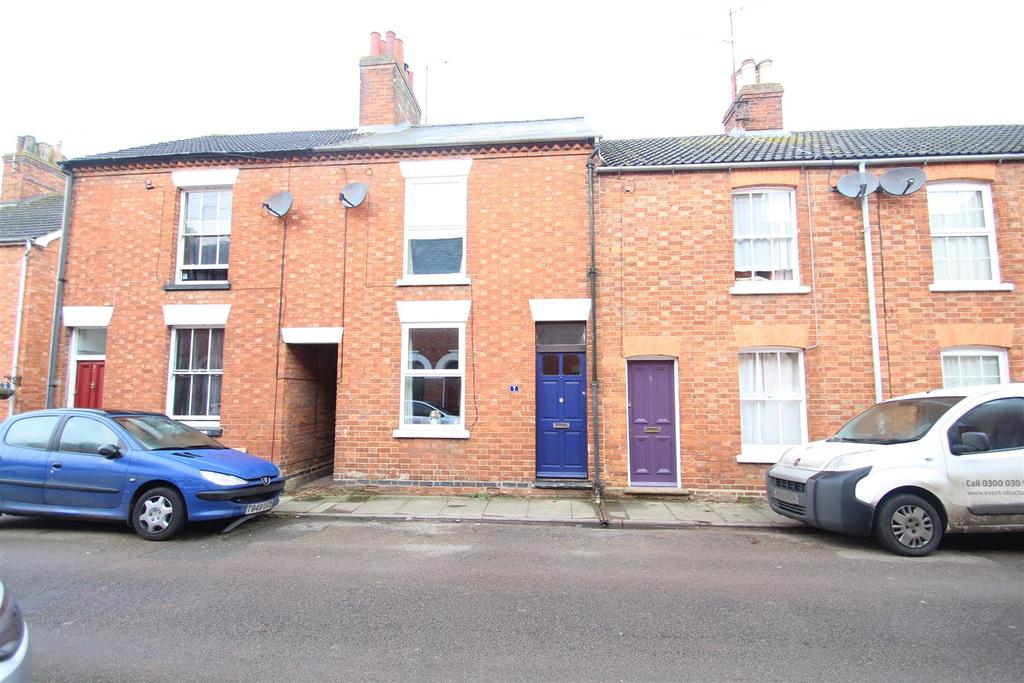 3 Bedrooms Terraced House for sale in Park Road, Stony Stratford, Milton Keynes