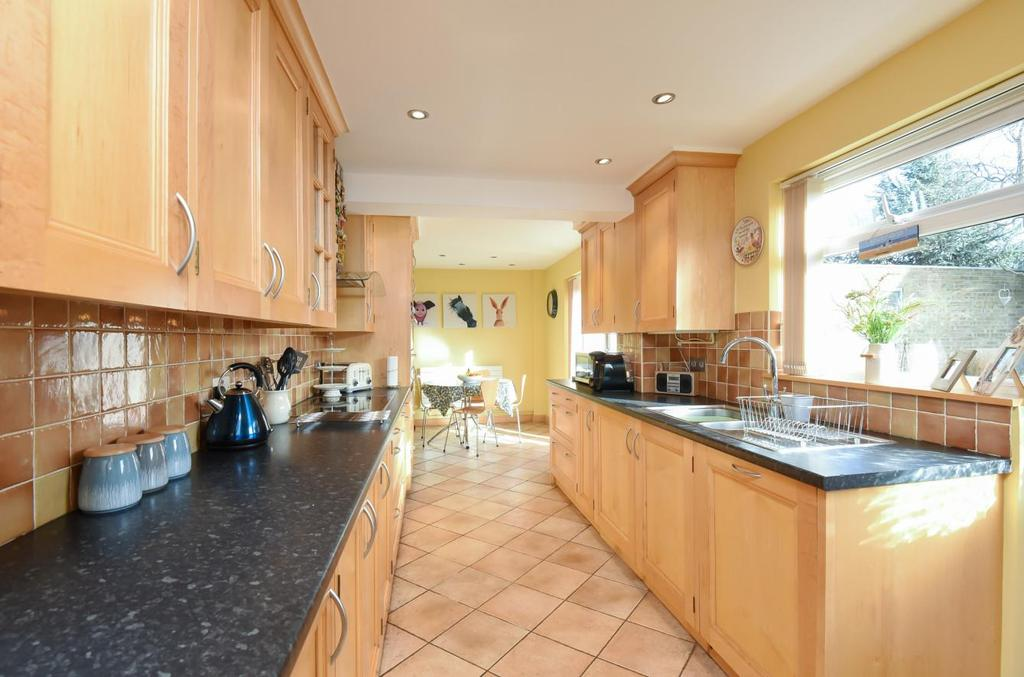 4 Bedrooms End Of Terrace House for sale in Great Close Road, Yarnton