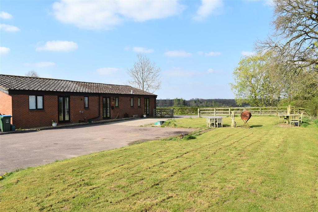 4 Bedrooms Equestrian Facility Character Property for sale in Whaddon Road, Little Horwood