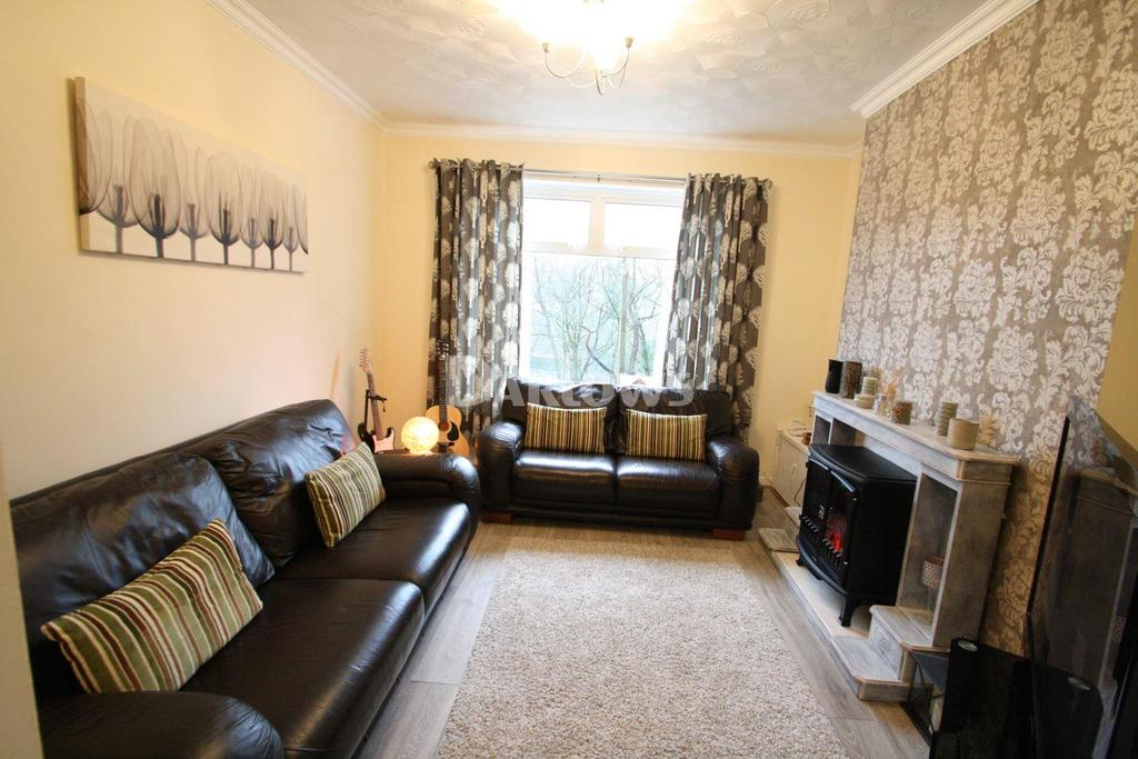 3 Bedrooms Terraced House for sale in Cyril Place, Abertillery, Gwent