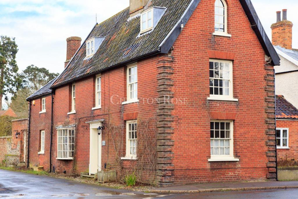 5 Bedrooms Detached House for sale in SOUTH NORFOLK