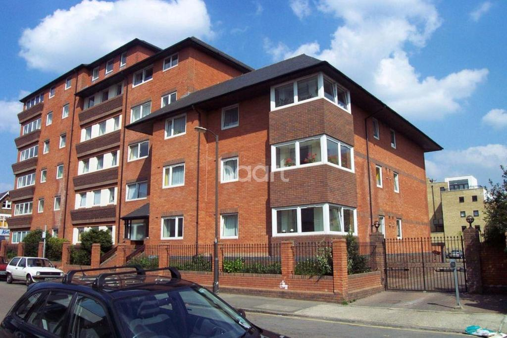 2 Bedrooms Flat for sale in Viscount Point, Wimbledon Broadway, SW19
