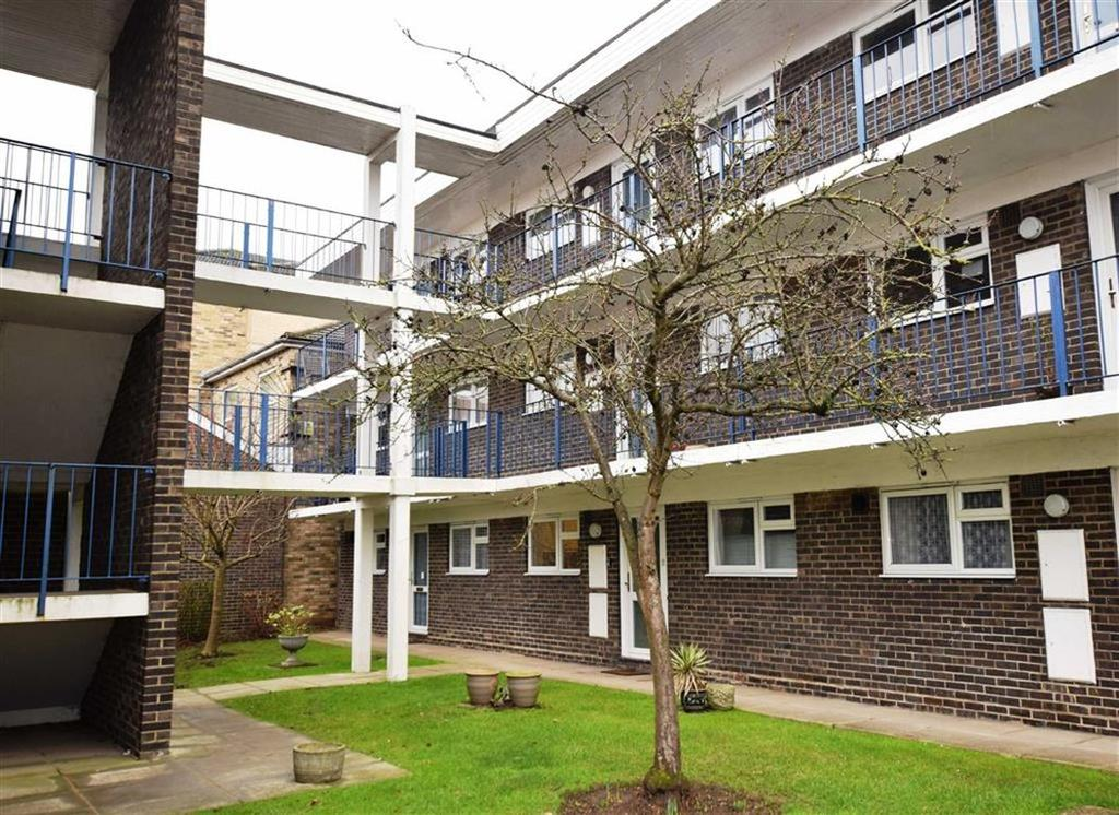 2 Bedrooms Apartment Flat for sale in Goldlay Avenue, Chelmsford