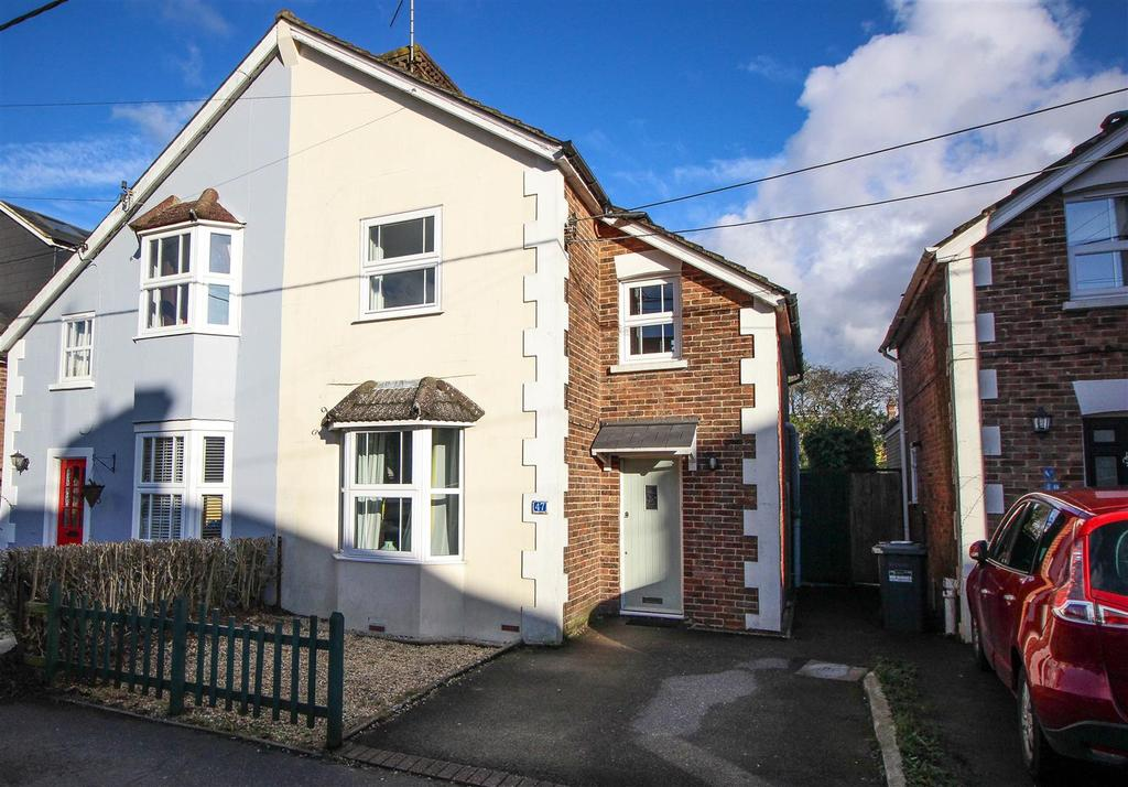 3 Bedrooms Semi Detached House for sale in Gower Road, Haywards Heath