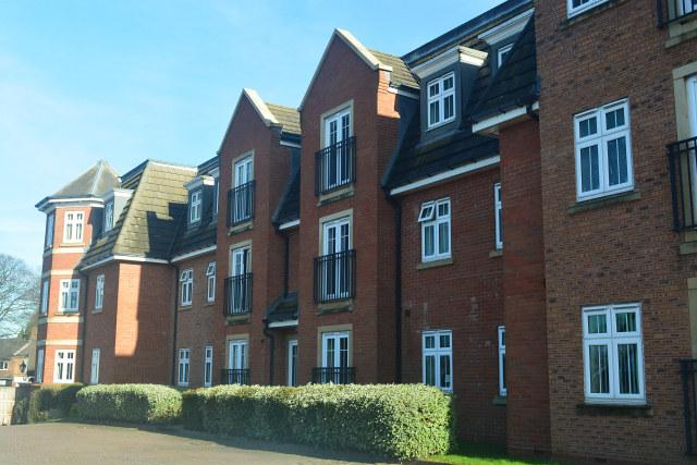 2 Bedrooms Ground Flat for sale in Grange Drive,Chester Road,Streetly