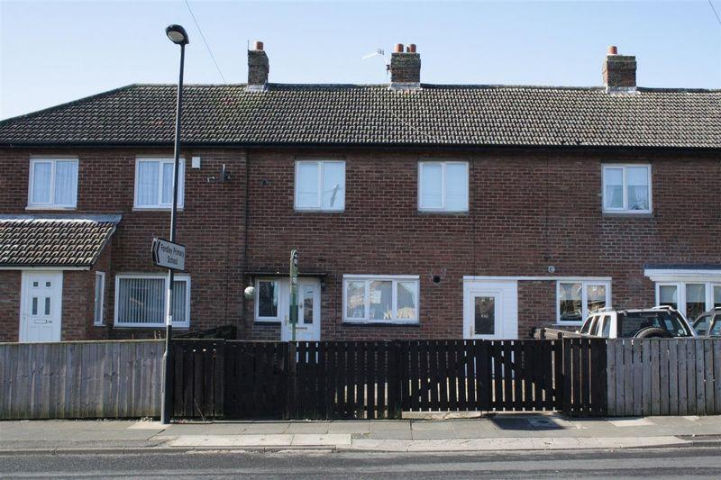 3 Bedrooms Terraced House for sale in Fern Drive, Dudley