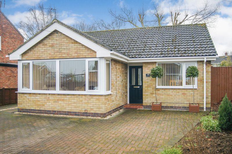2 Bedrooms Detached Bungalow for sale in Sheridan Close, Balderton