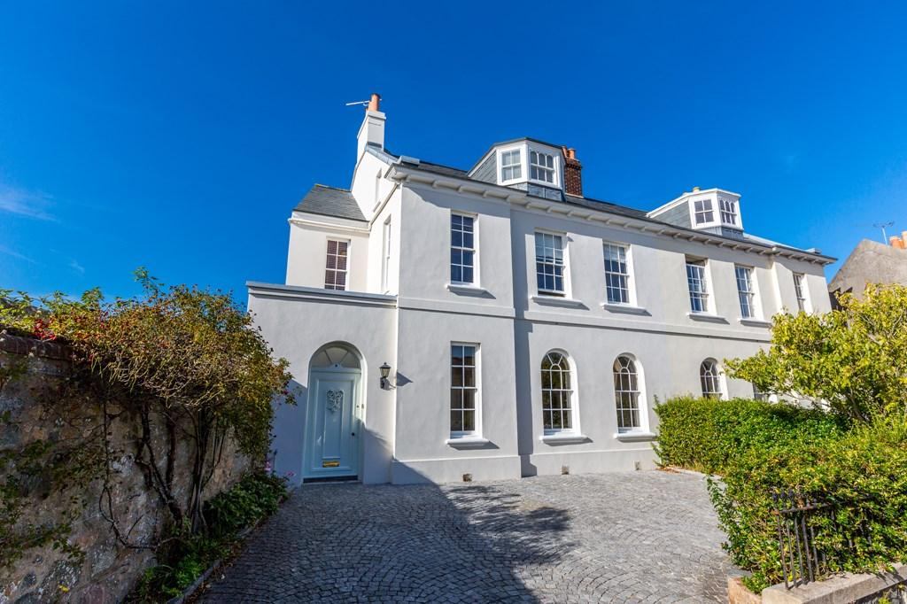 4 Bedrooms Semi Detached House for sale in Mount Durand, St. Peter Port, Guernsey