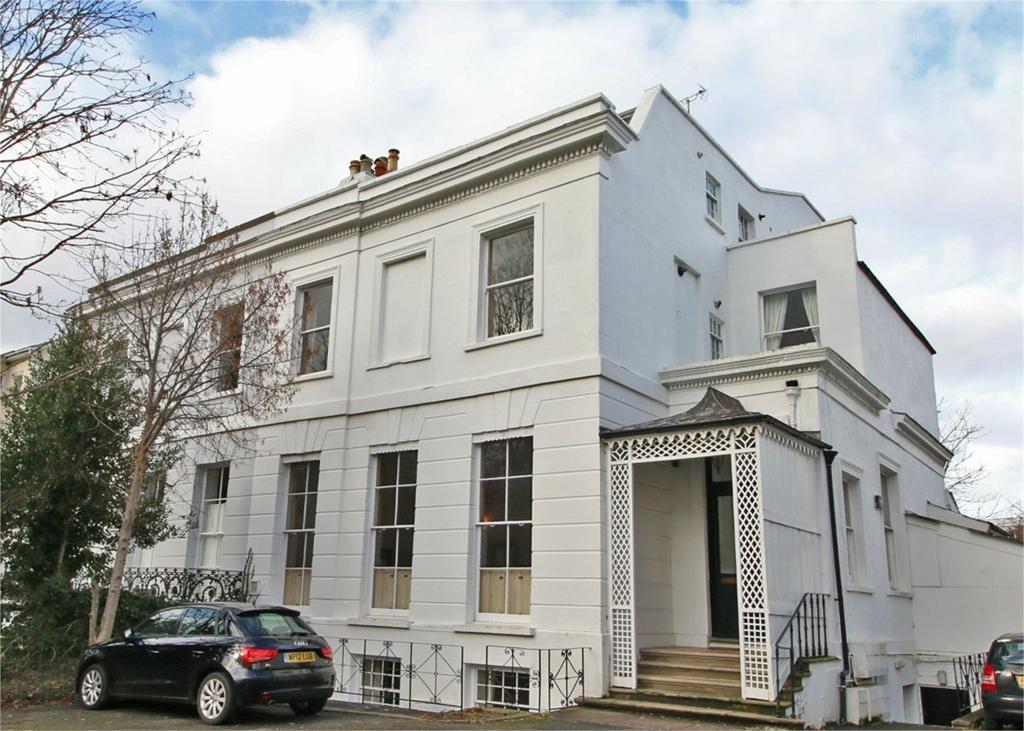 1 Bedroom Flat for sale in 58 Lansdown Road, Cheltenham