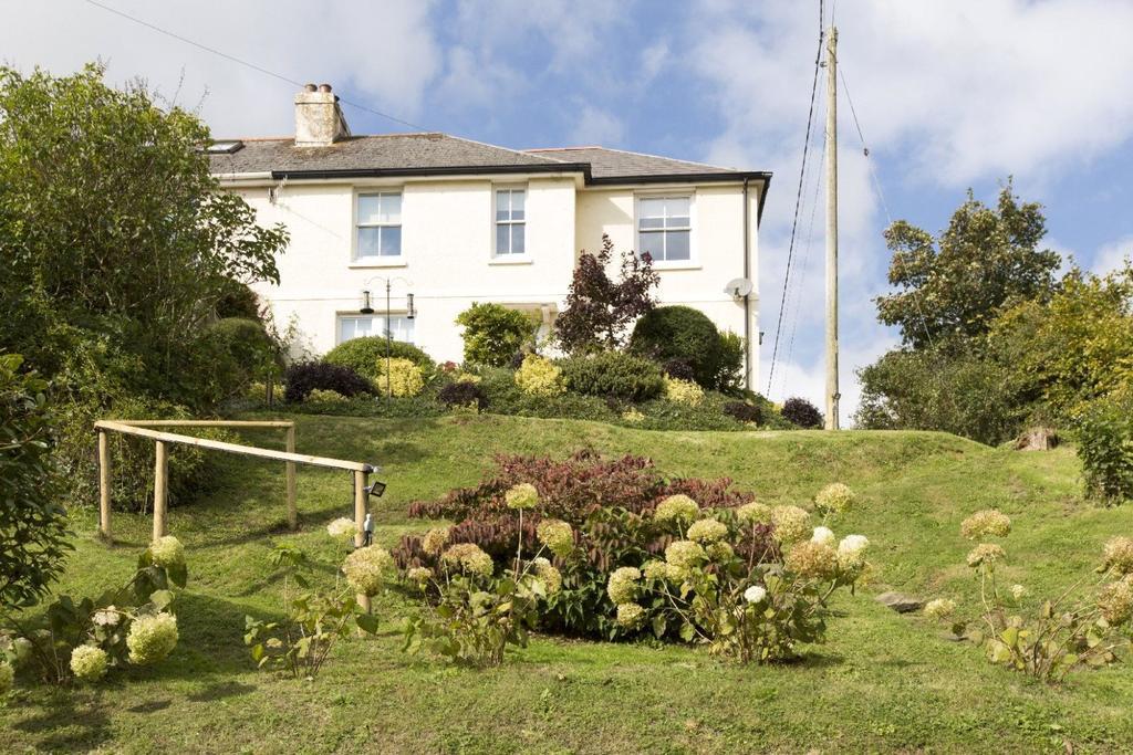 3 Bedrooms Semi Detached House for sale in Higher Batson, Salcombe, Devon, TQ8