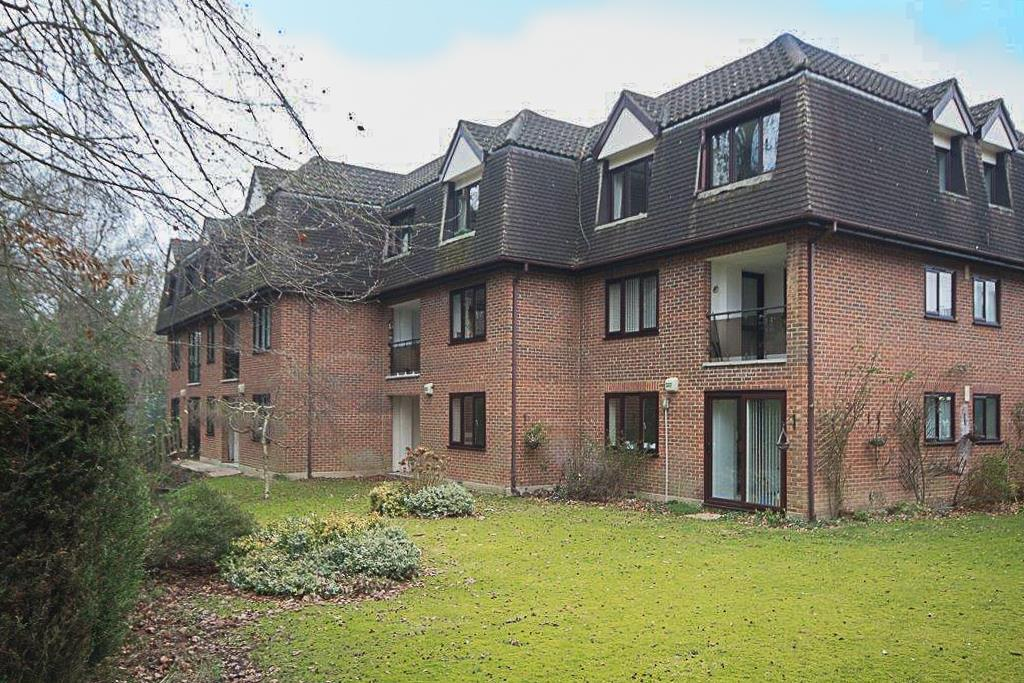 2 Bedrooms Apartment Flat for sale in Lorne Road, Warley, Brentwood