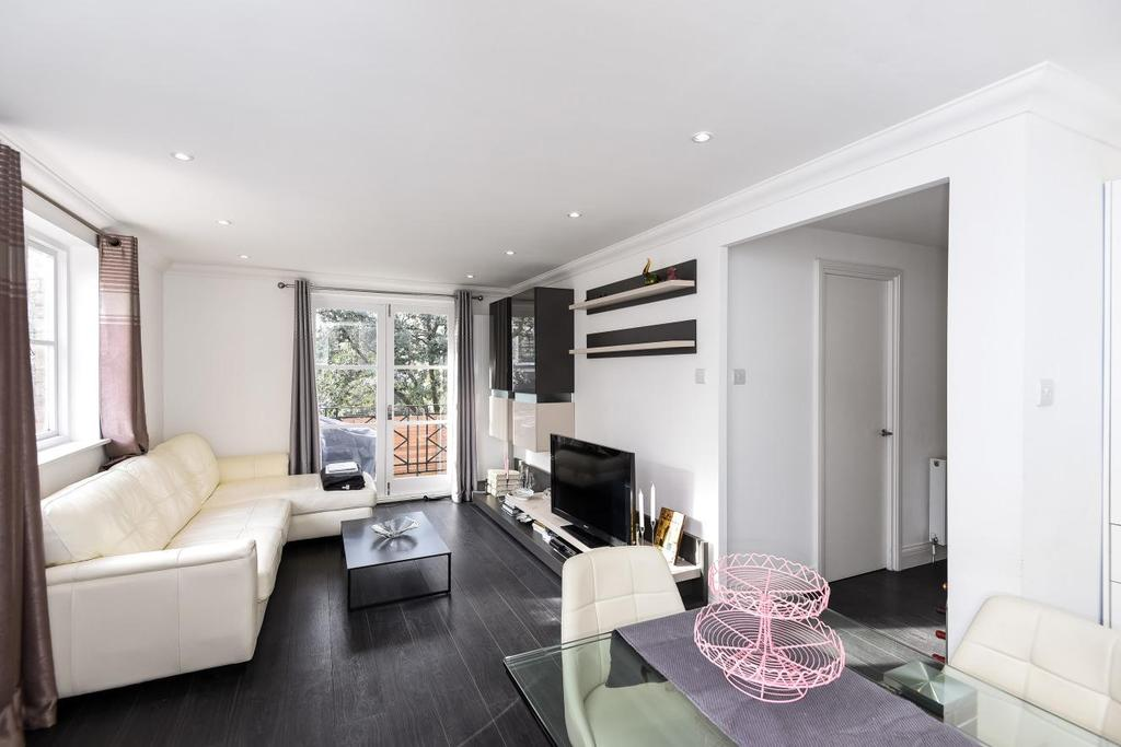 2 Bedrooms Flat for sale in Brompton Park Crescent, Fulham, SW6