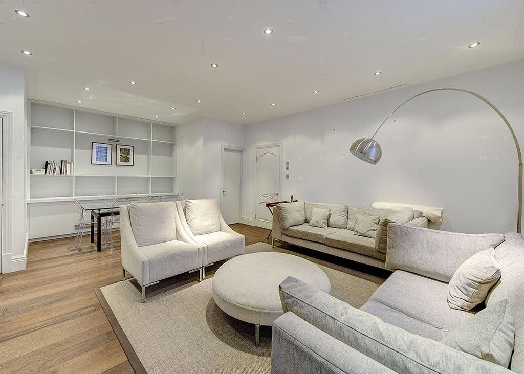2 Bedrooms Flat for sale in Savoy Apartments, 6 Savoy Court, Covent Garden, London, WC2R