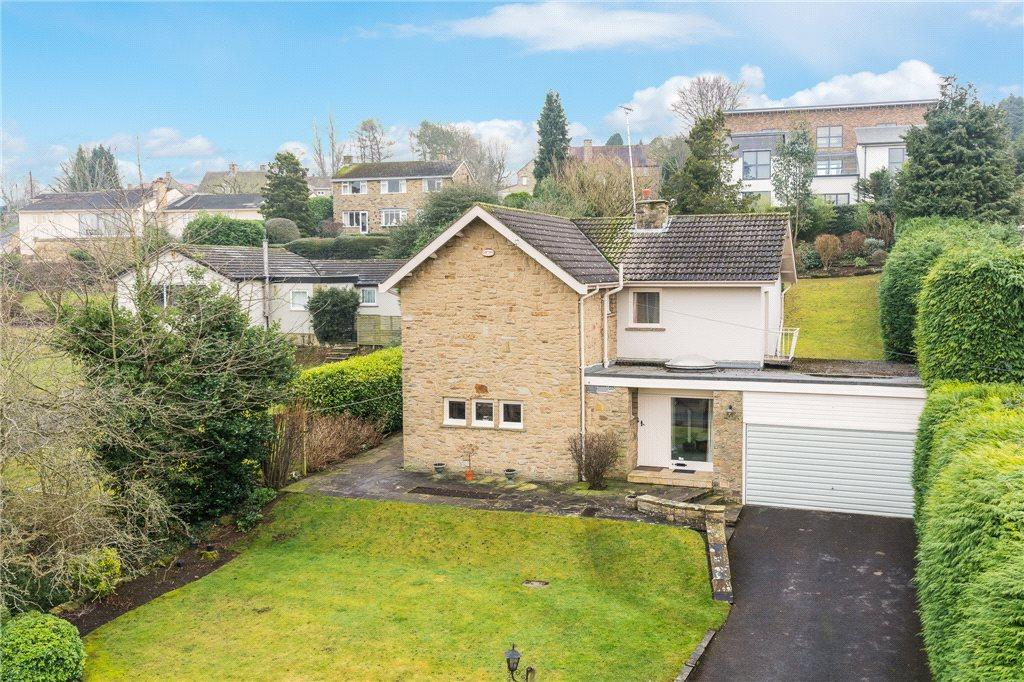 3 Bedrooms Detached House for sale in Langwith Valley Road, Collingham, Wetherby, West Yorkshire