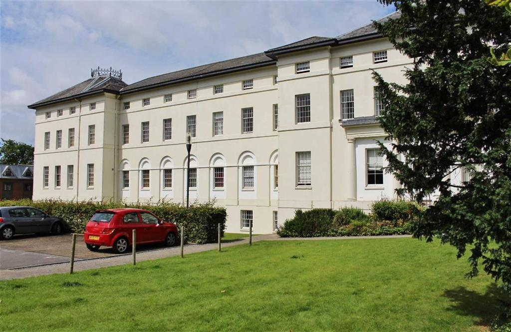 2 Bedrooms Penthouse Flat for sale in The Crescent, Gloucester