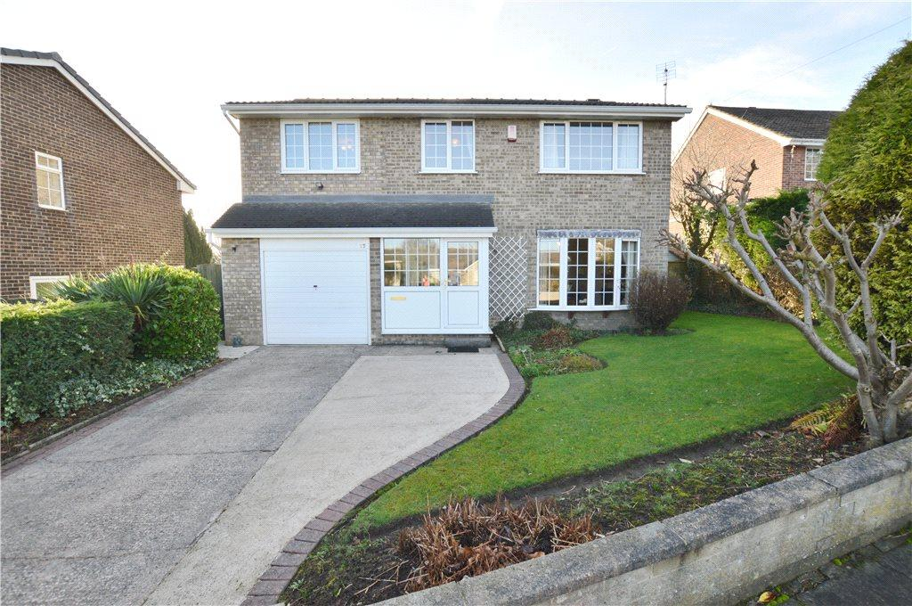 4 Bedrooms Detached House for sale in Henley Avenue, Thornhill, Dewsbury, West Yorkshire