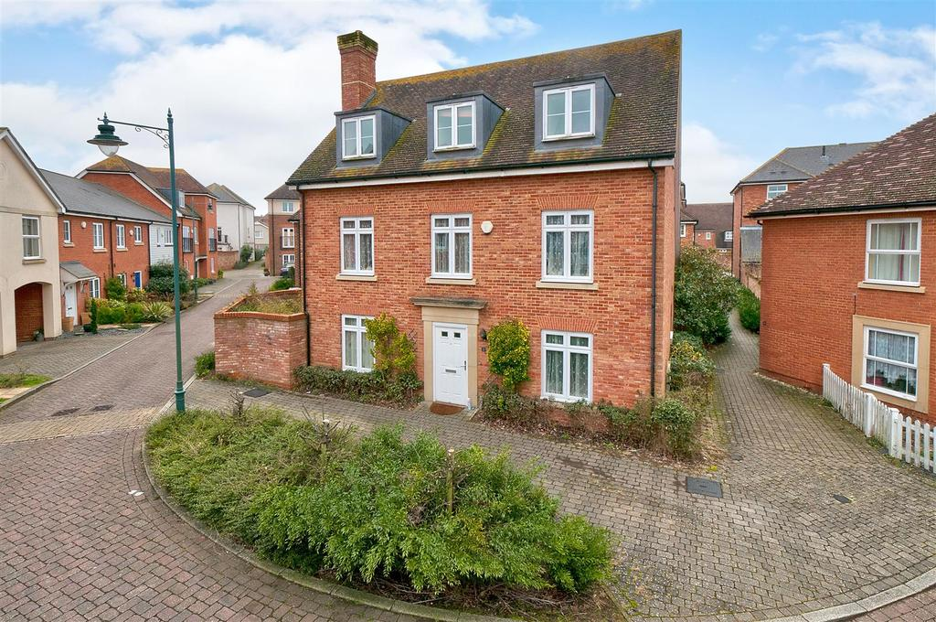 5 Bedrooms Detached House for sale in Richmond Avenue, Kings Hill, ME19 4FE