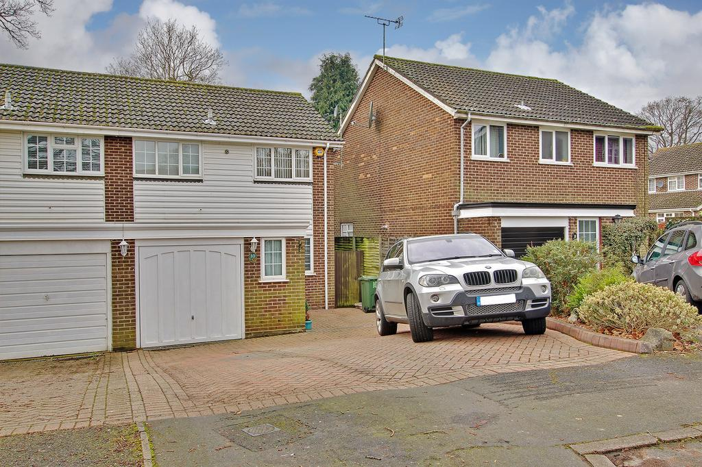 3 Bedrooms Semi Detached House for sale in ROWNHAMS