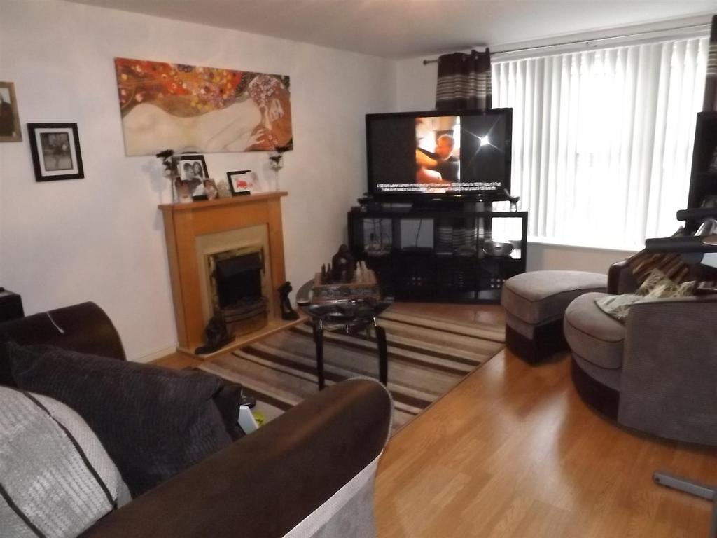2 Bedrooms Flat for sale in Mount Pleasant Avenue, St. Helens