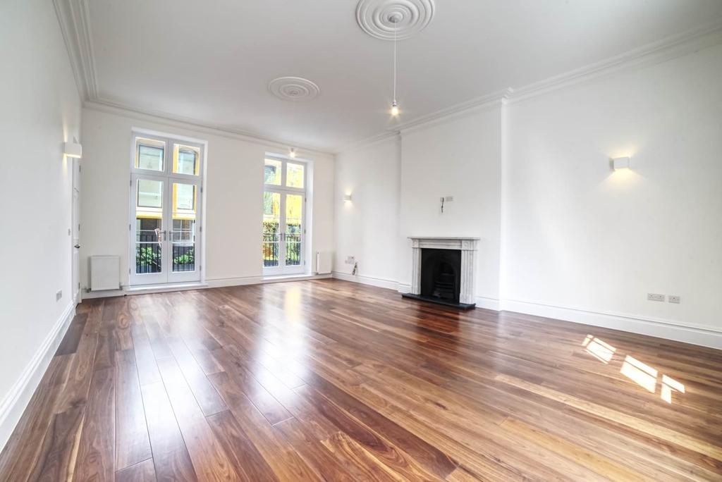 3 Bedrooms Maisonette Flat for sale in William Gaitskell House, Paradise Street, SE16