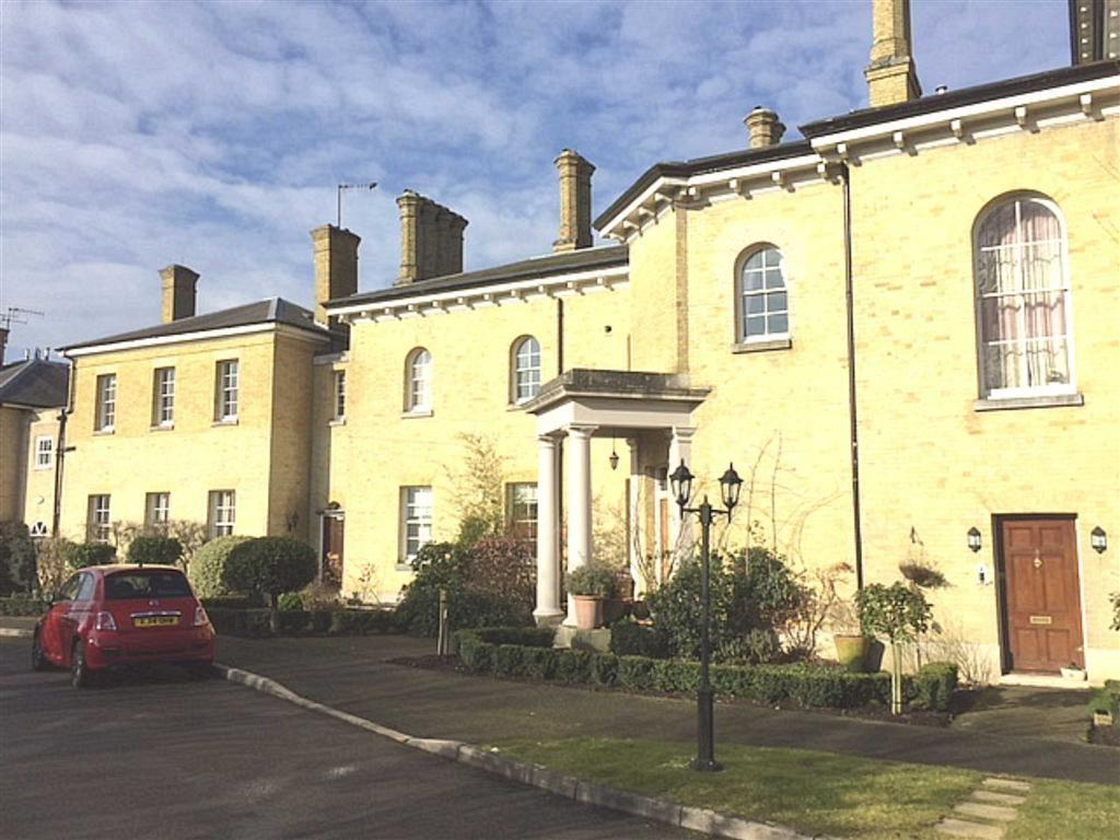 2 Bedrooms Flat for sale in Haydon Hill House, Bushey