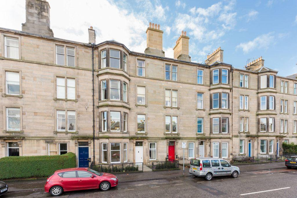 3 Bedrooms Flat for sale in 53 (1F1) Comely Bank Road, Edinburgh, EH4 1EJ