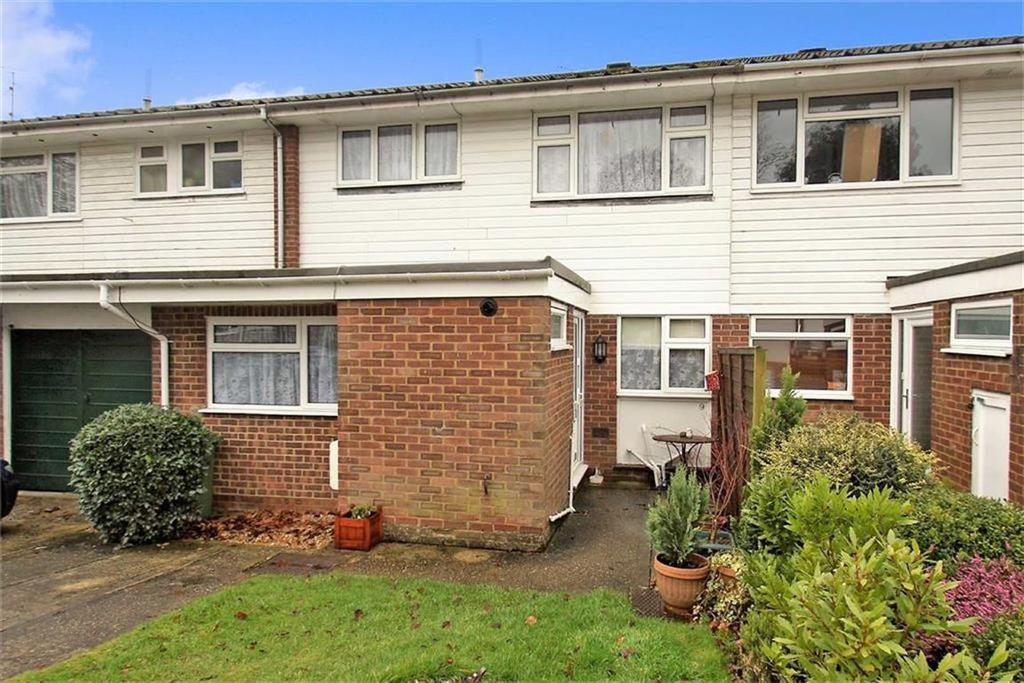 3 Bedrooms Terraced House for sale in Field Place, Liphook, Hampshire, GU30