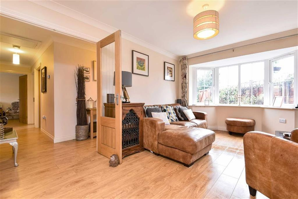 3 Bedrooms Detached House for sale in Guildford Road, Normandy, Surrey, GU3