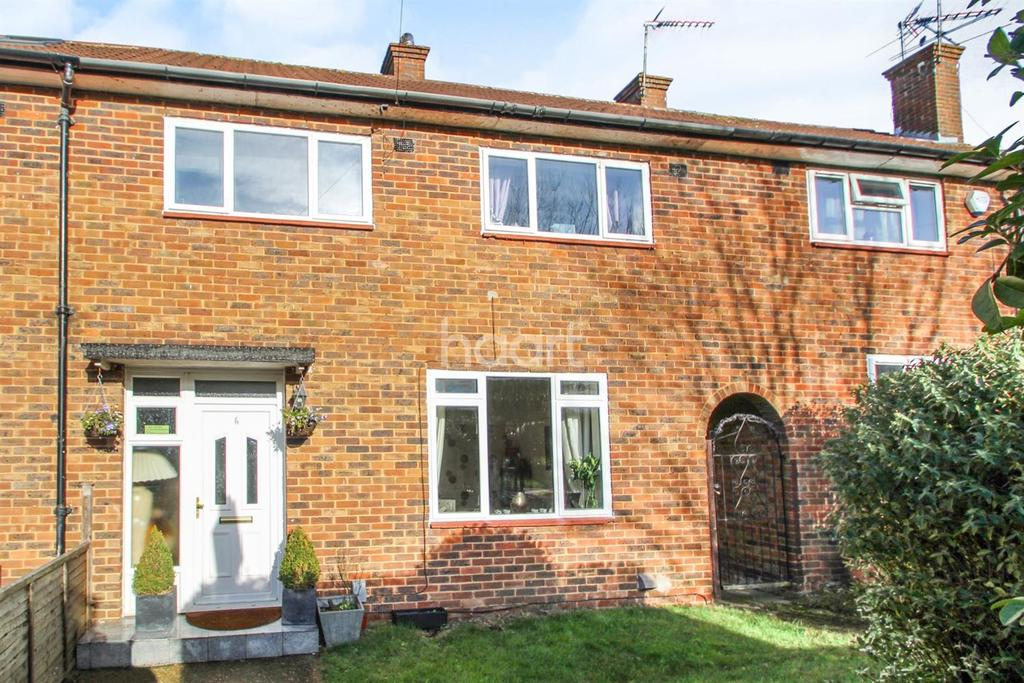 3 Bedrooms Terraced House for sale in Cleveland Crescent, Furzehill Road, Borehamwood