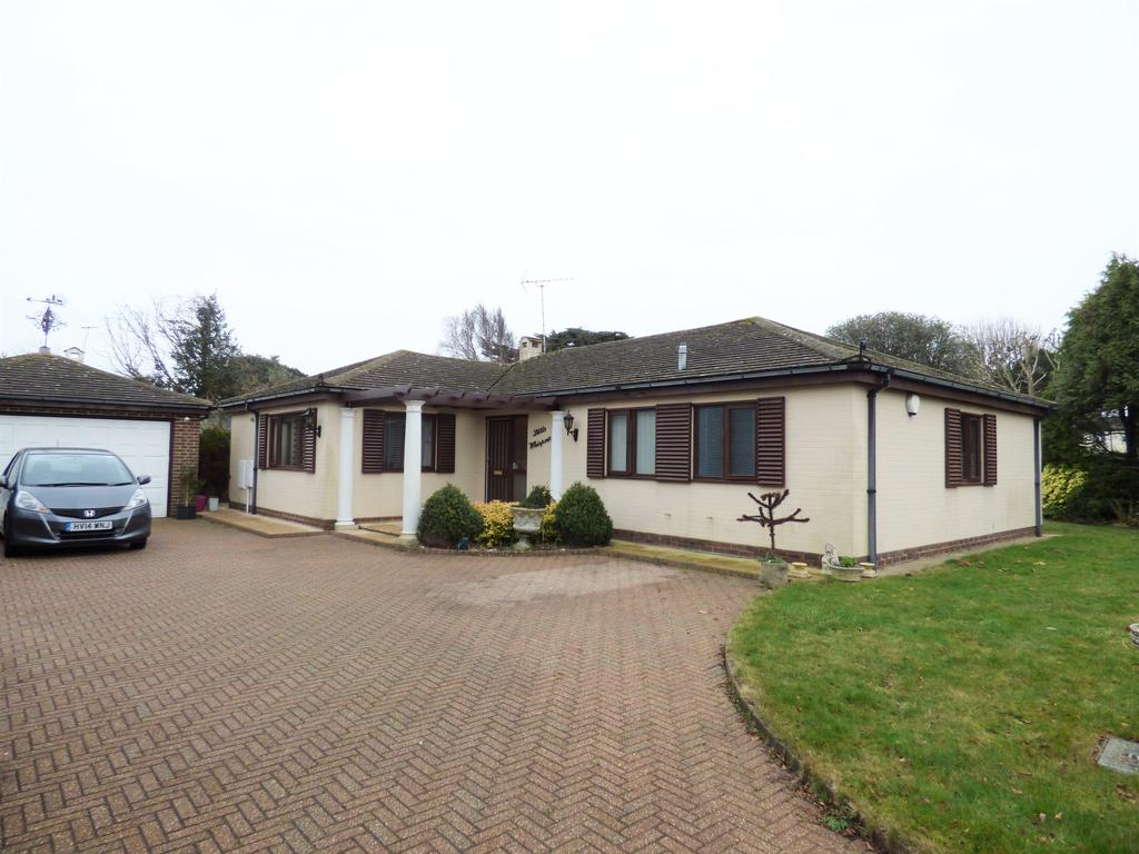 3 Bedrooms Detached Bungalow for sale in Craigweil Manor, The Drive, Craigweil-on-Sea, Bognor Regis PO21