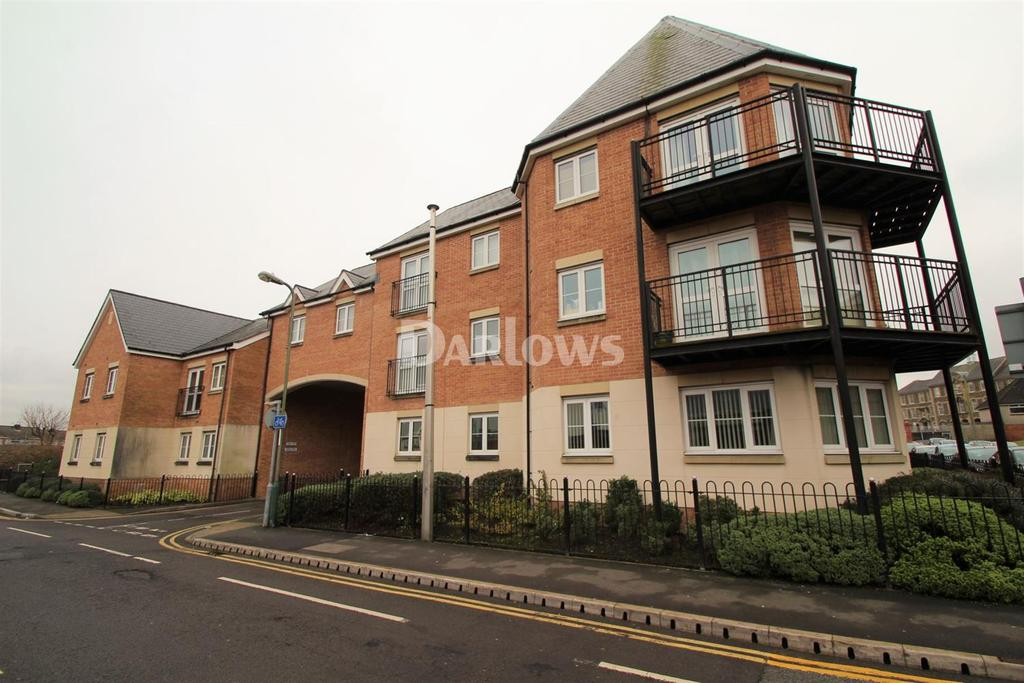 2 Bedrooms Flat for sale in Castle Mews, North View Terrace, Caerphilly