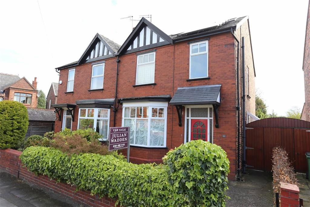 3 Bedrooms Semi Detached House for sale in Ashburn Road, Heaton Norris