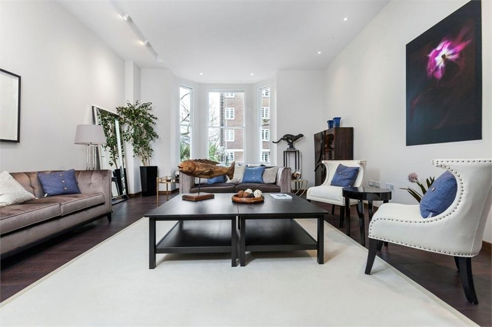 4 Bedrooms Maisonette Flat for sale in Vicarage Gate, London