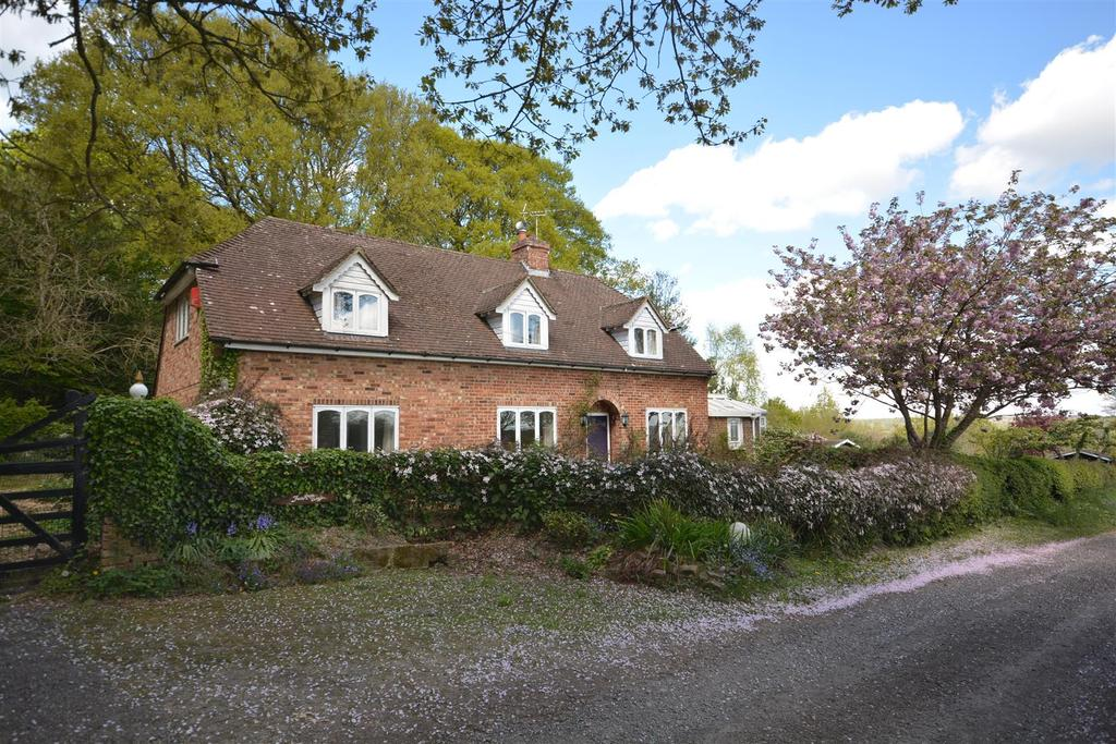 3 Bedrooms Detached House for sale in Bugsell Lane, Robertsbridge