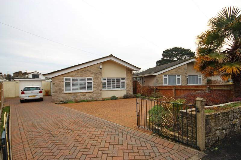 2 Bedrooms Detached Bungalow for sale in Branders Lane, Wick, Bournemouth