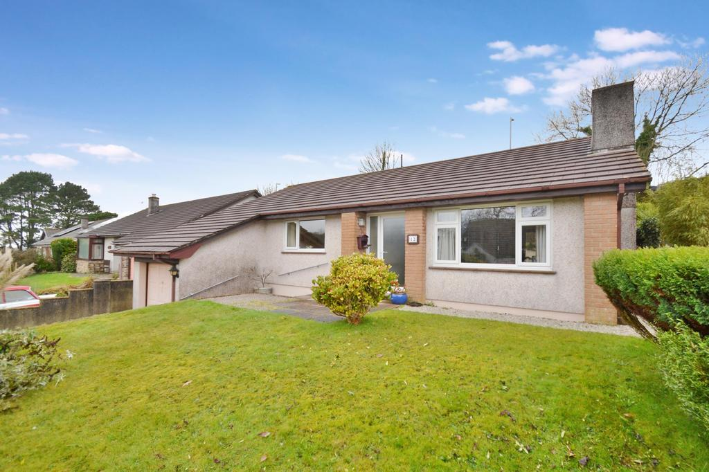3 Bedrooms Bungalow for sale in Abbots Close, Bodmin