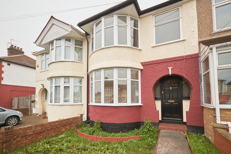 3 Bedrooms Terraced House for sale in Brampton Road, Kingsbury, NW9