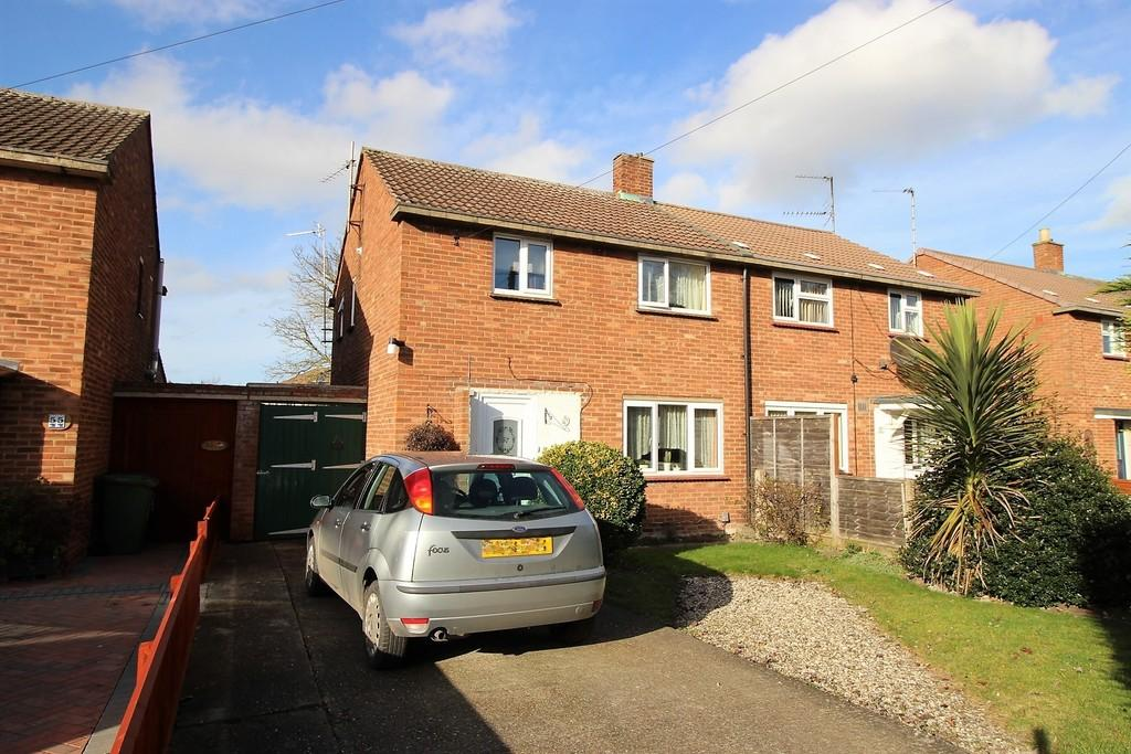 3 Bedrooms Semi Detached House for sale in Godwin Way, Cambridge