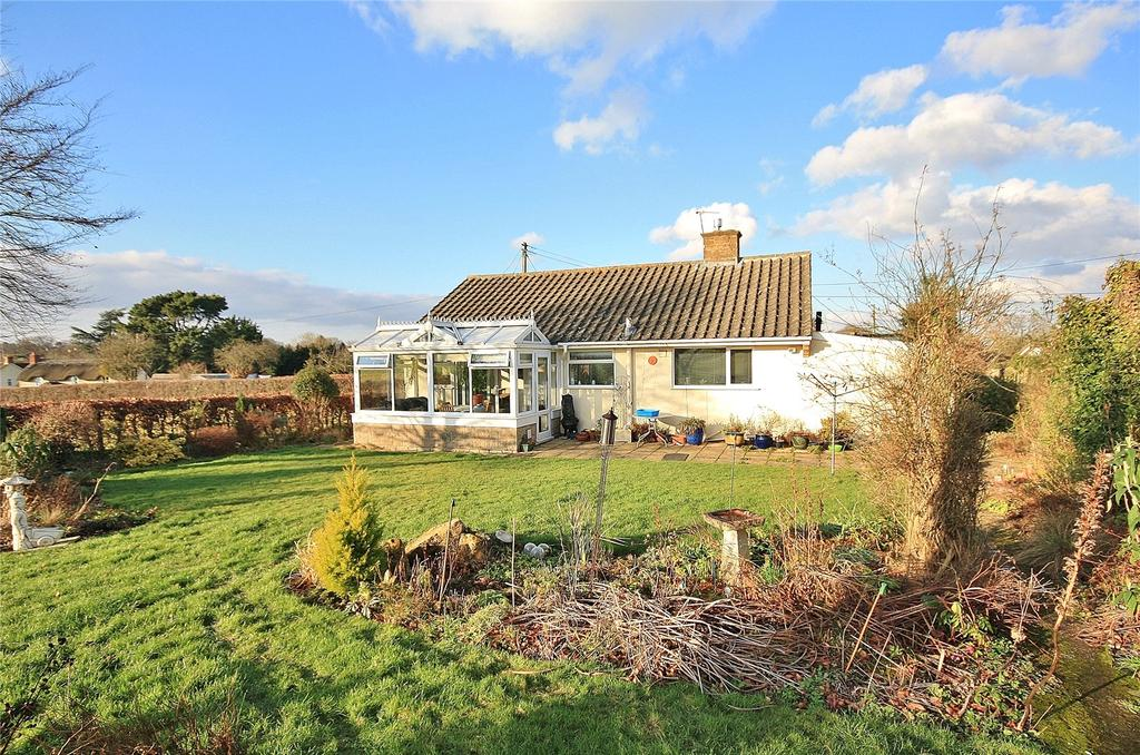 2 Bedrooms Bungalow for sale in Forest Mill Lane, Horton, Ilminster, Somerset, TA19