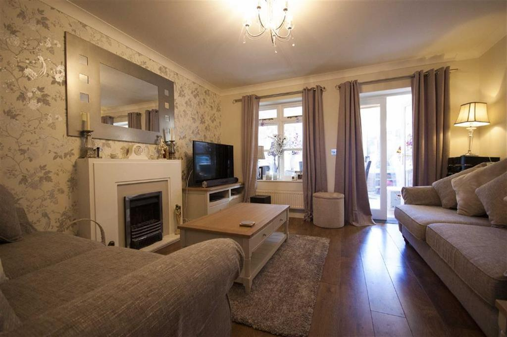 3 Bedrooms Terraced House for sale in St Michaels Street, Castle Mews, Shrewsbury, Shropshire