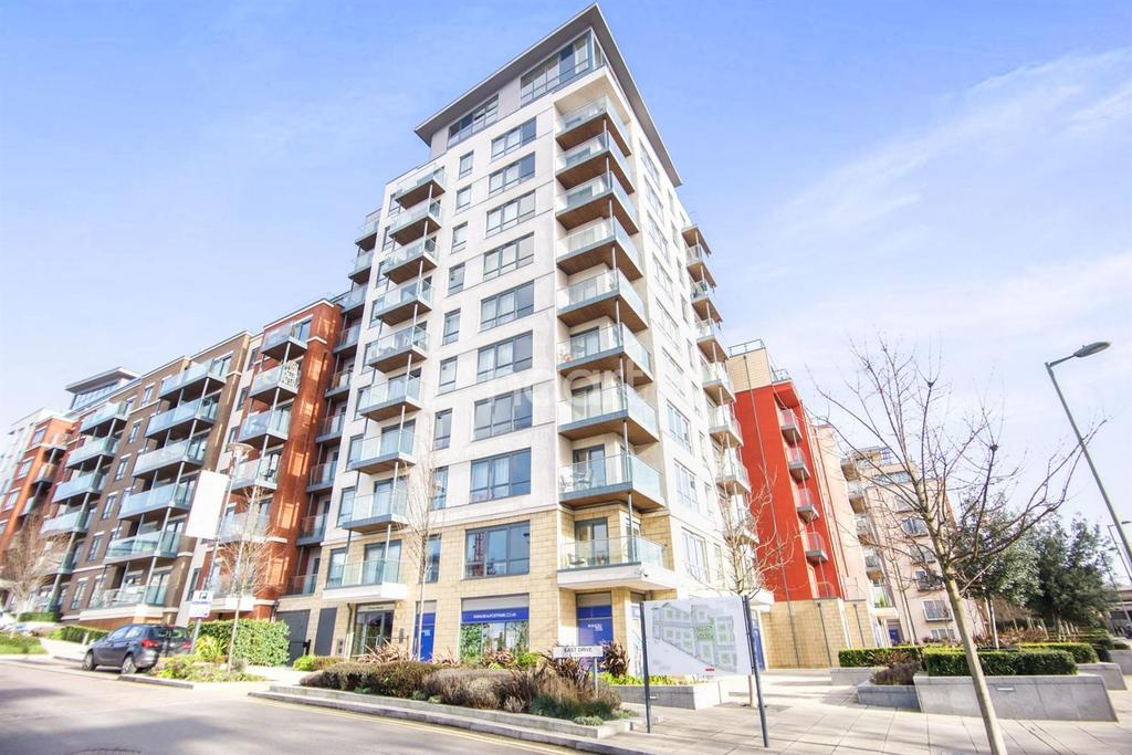 2 Bedrooms Flat for sale in Envoy House, 2 East Drive, NW9